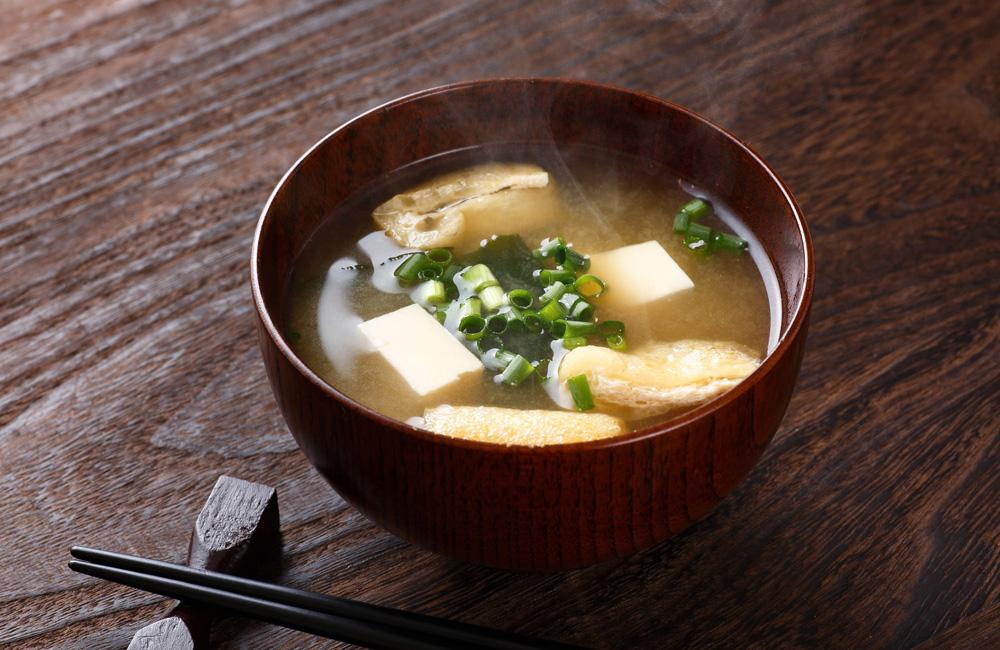 Suppe mit Hefeextrakt
